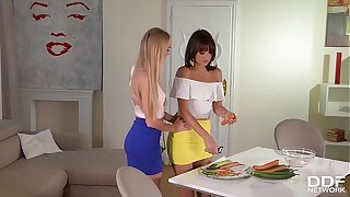 Lesbian Milfs Nancy A. And Suzy Rainbow Carrot Fuck Their Pussies