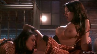 Adorable Alektra Sexy uses a strapon relating to fuck her horny lesbian collaborate