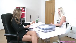 Whitney Conroy fto eradicate affect HR gets seduced by a blonde girl on will not hear of interview