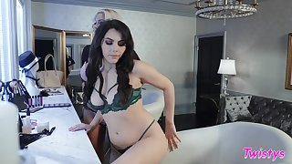 Pornstars Valentina Nappi increased by Nicolette Shea have lovemaking behind scenes