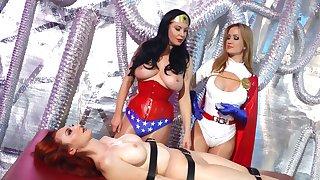 hot busty MILF Kendra James lesbian cosplay