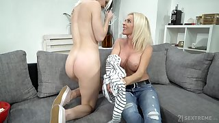 Mature lady uses her seductive charms aloft a young woman with a big butt