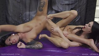 Queen Snake take Whisk with sexy Jessica